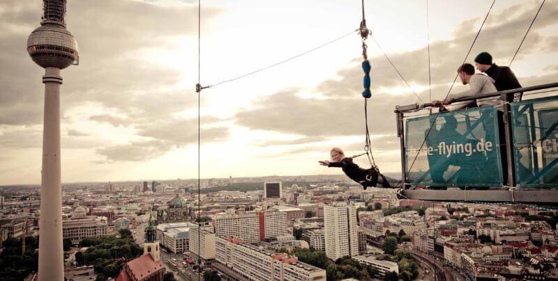 جاهای دیدنی آلمان- سقوط آزاد از ساختمان